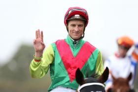 Blake Shinn winning his third for the day on Heart Testa