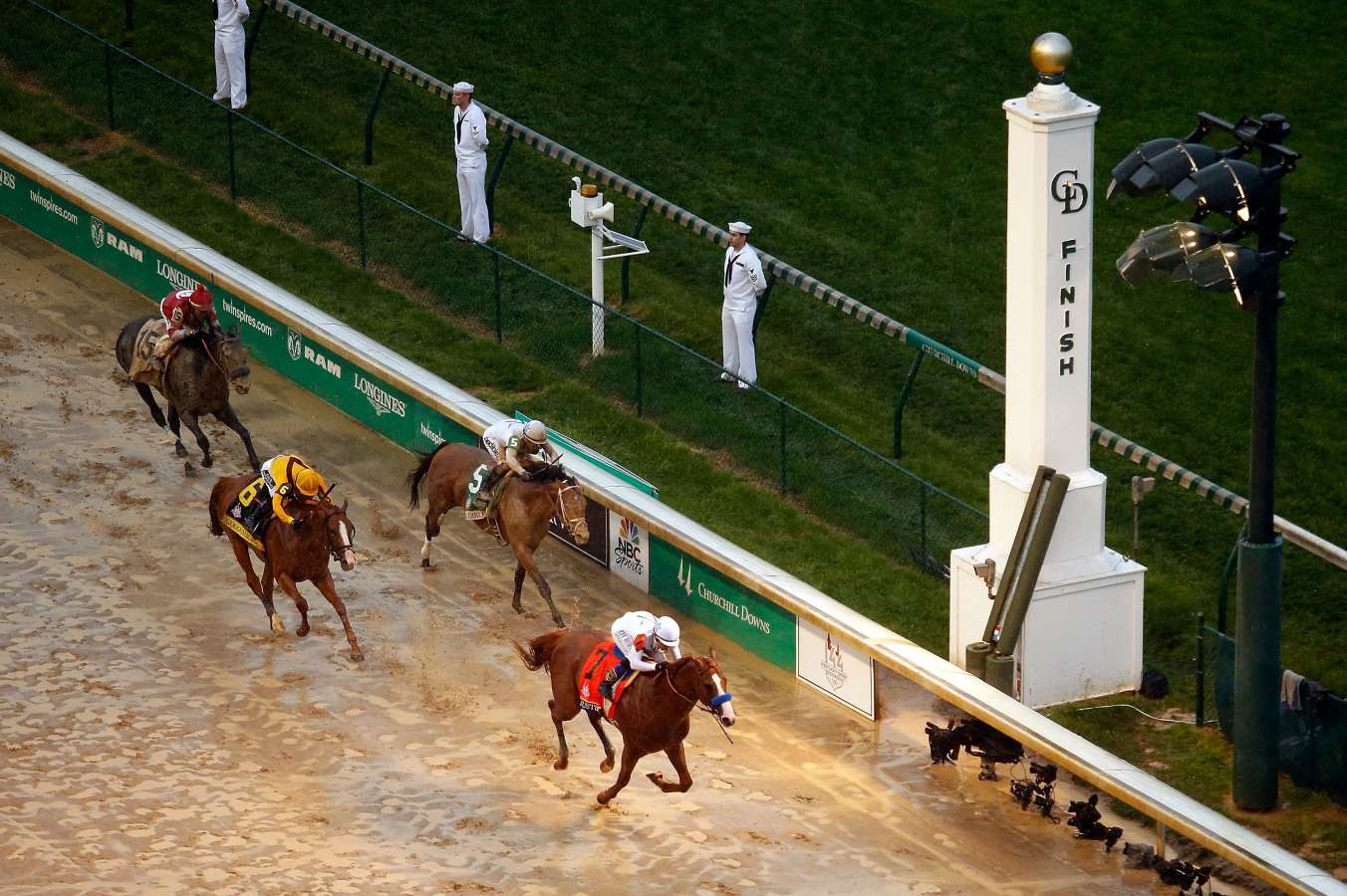 Justify justifies hype with Kentucky Derby win