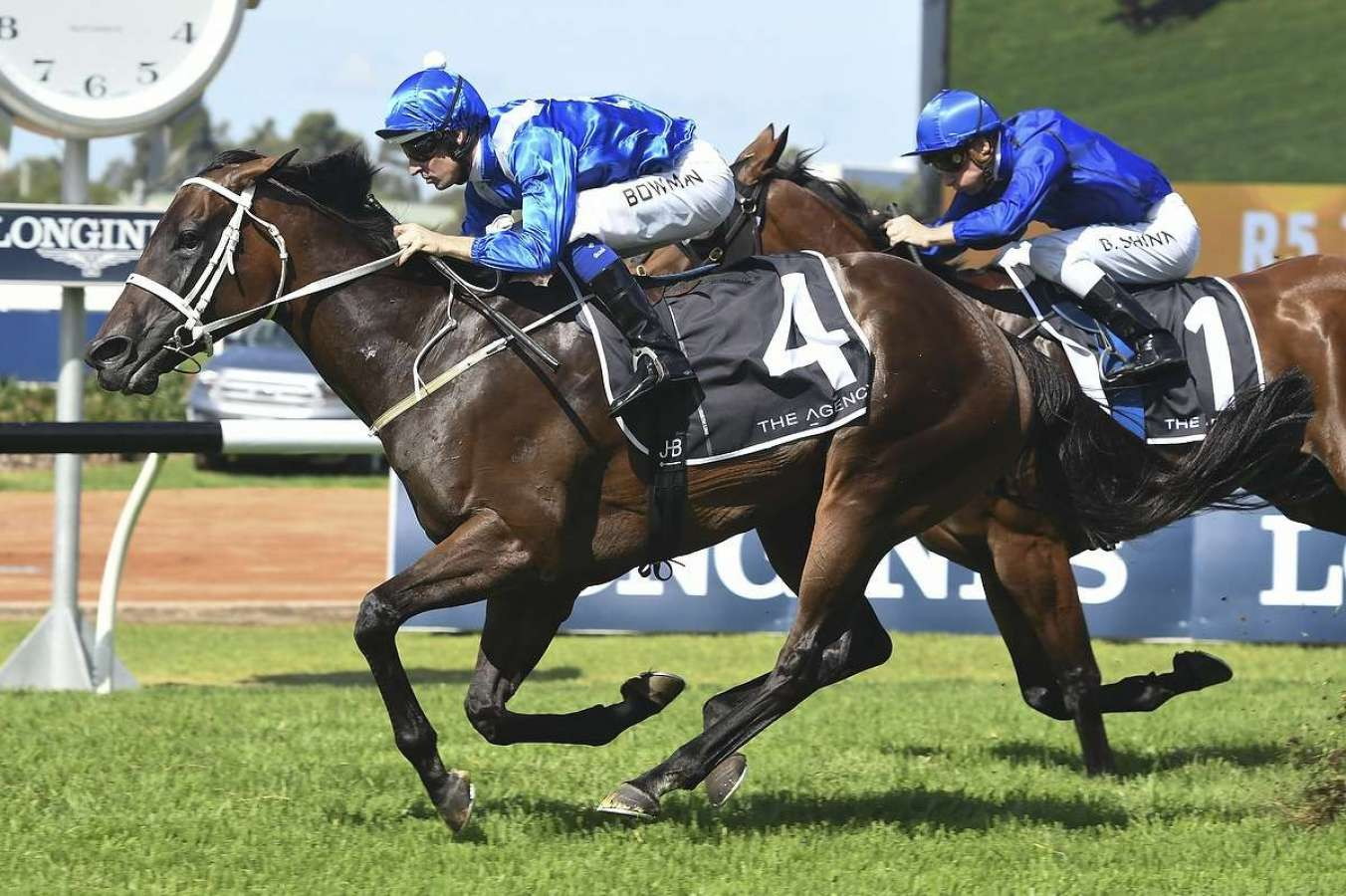 Winx wins the George Ryder, claims record