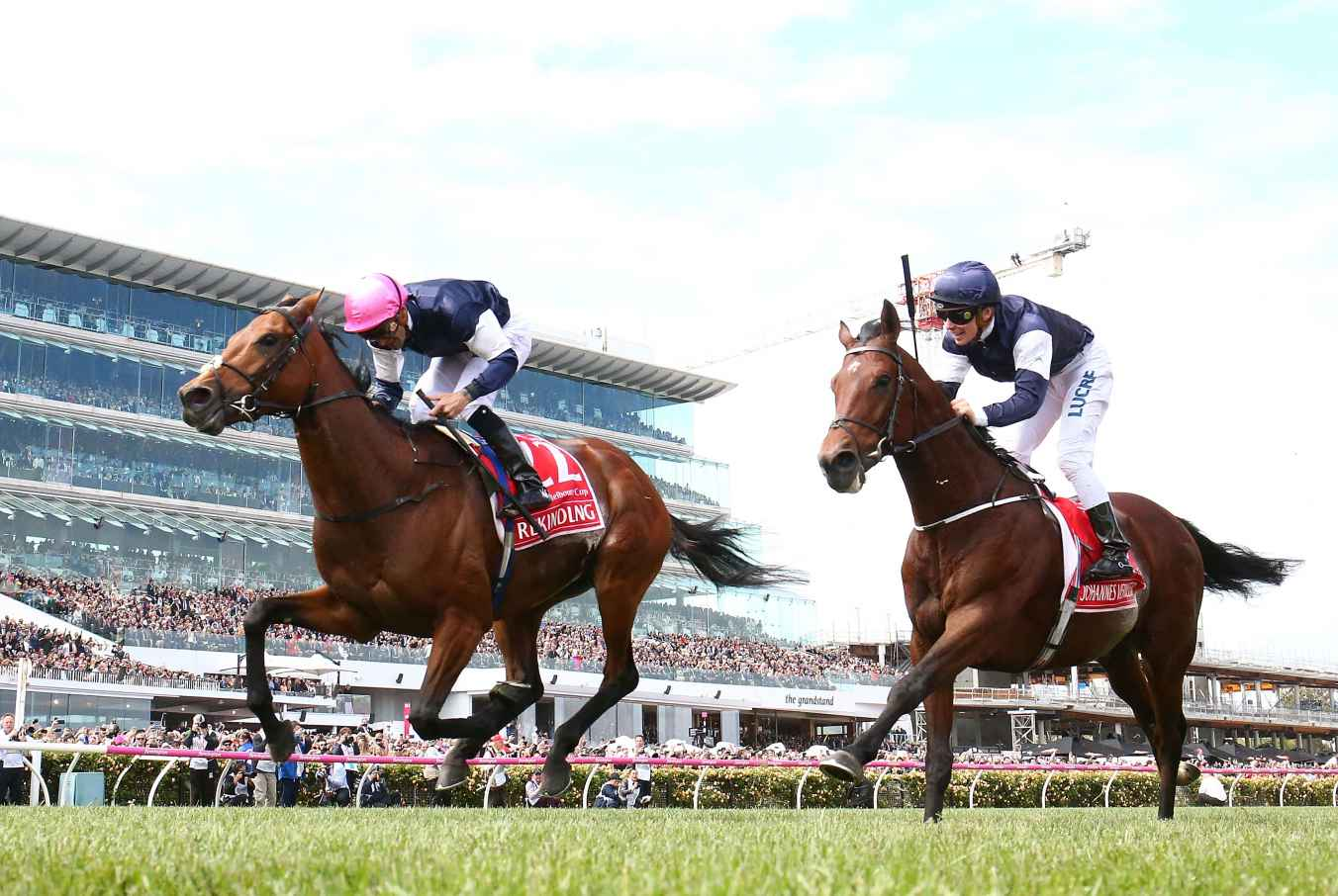 Early 2018 Melbourne Cup favourite Rekindling winning in 2017