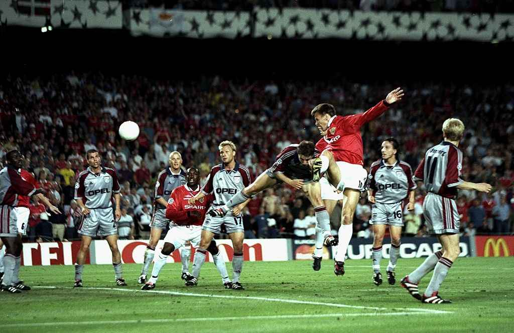 Teddy Sheringham of Manchester United heads goalwards during the UEFA Champions League Final against Bayern Munich at the Nou Camp in Barcelona