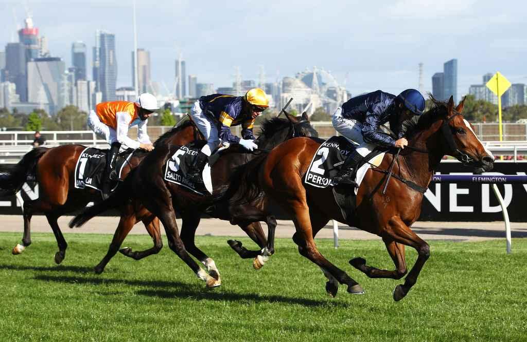 crown oaks 2021 betting sites
