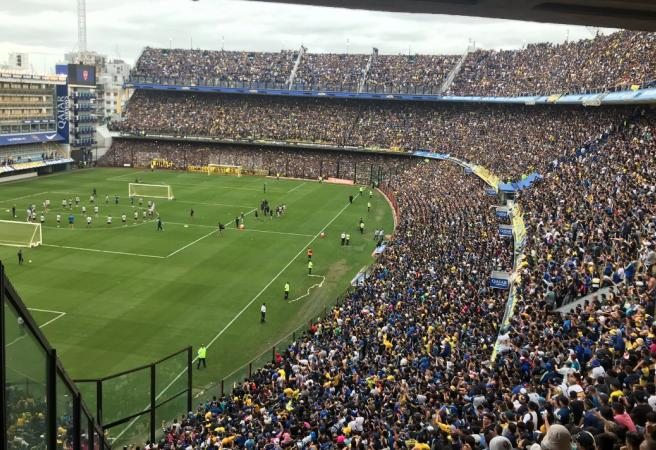 50,000 people pack out a training session
