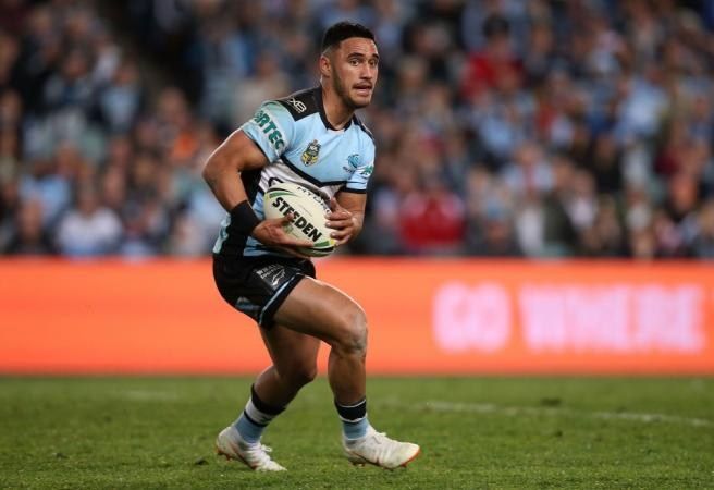 Valentine Holmes signs a NFL contract