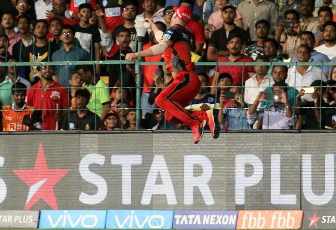 AB de Villiers pulls off screamer in the IPL
