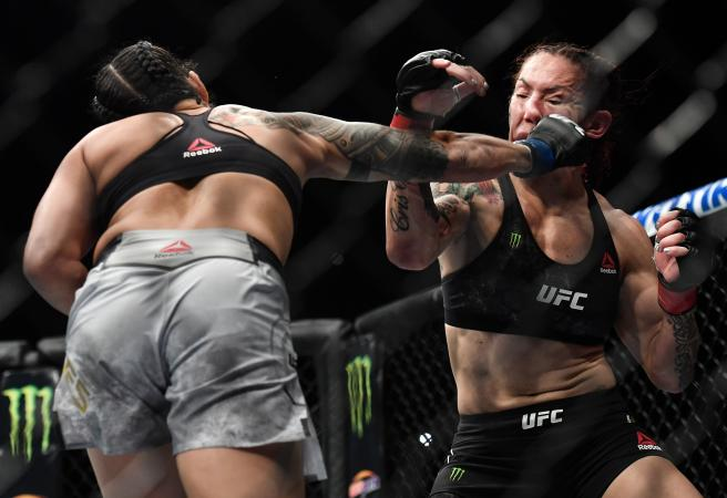Amanda Nunes short circuits Cyborg in brutal destruction