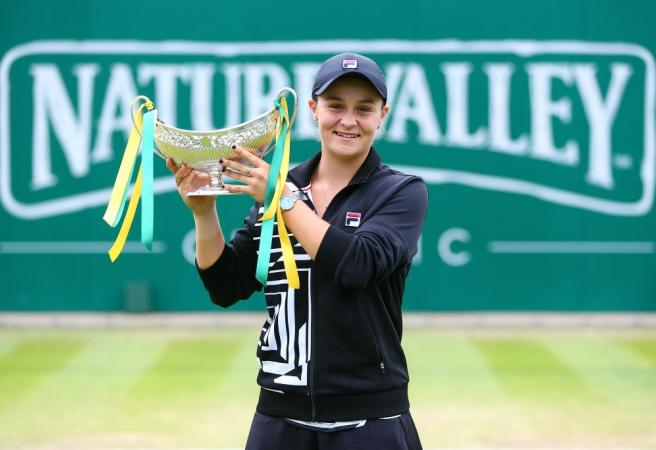 Ash Barty crowned new World No. 1
