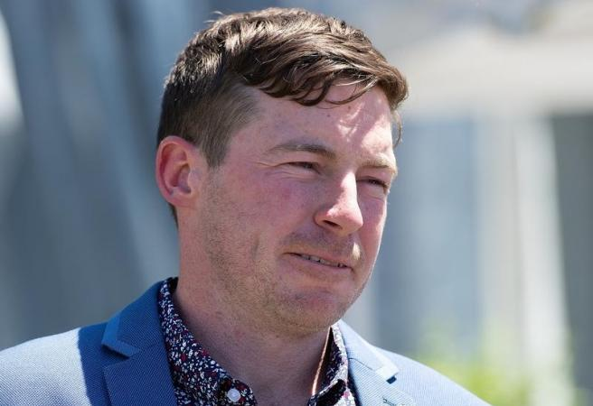 Trainer fights ban as Currie feels the heat
