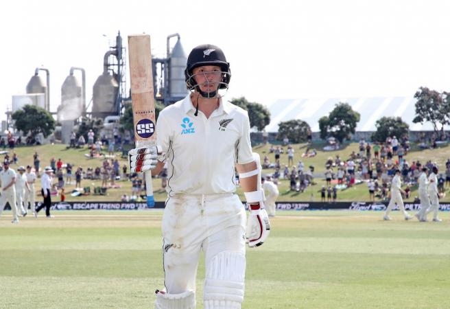 NZ wicketkeeper scores double ton against Poms