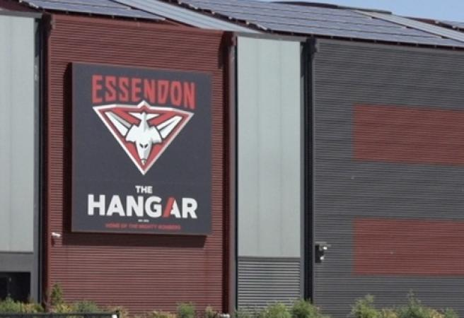 Essendon signs legend's son