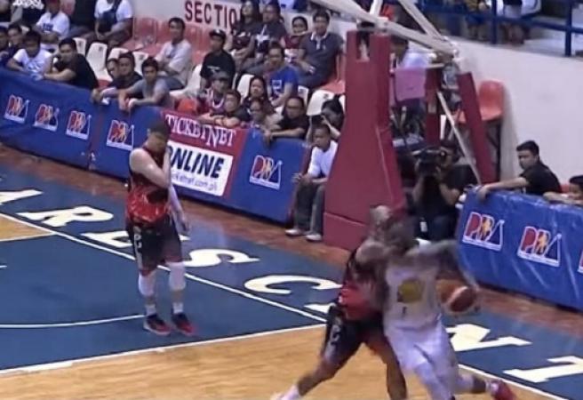WATCH: Filipino Basketballer king hits American