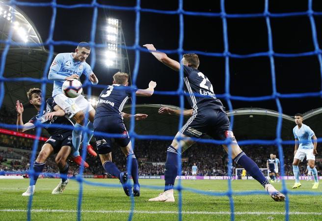 Christmas Cracker: City pull off late Derby draw as Keisuke Honda misses