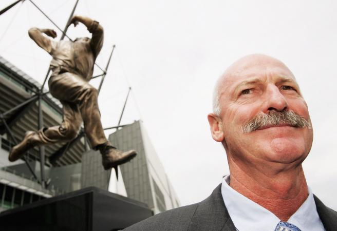 Dennis Lillee reignites war of words with the WACA over Optus pitch