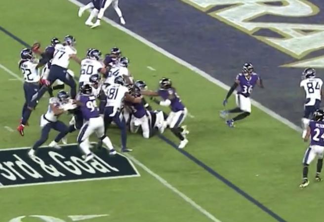 WATCH: Running back throws stunning jump-pass TD
