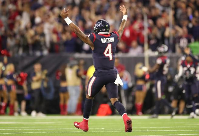 WATCH: Deshaun Watson sets up game-winning FG with ridiculous play