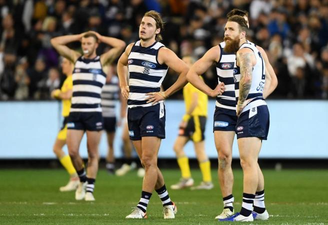 How many teams have exited the AFL finals in straight sets?