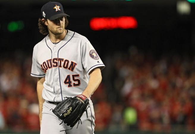 MLB pitcher signs record-breaking contract