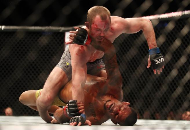 Top Gunnar: Gunnar Nelson submission like scene from a horror movie