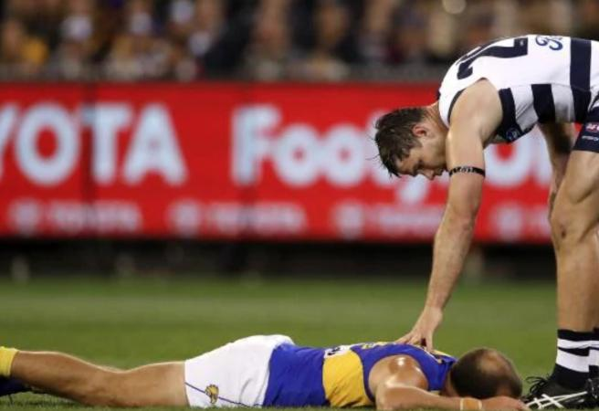WATCH: Will Hawkins miss the preliminary final for this?