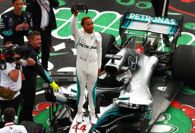 Lewis Hamilton claimes world title as Dan Ricciardo suffers more heartbreak