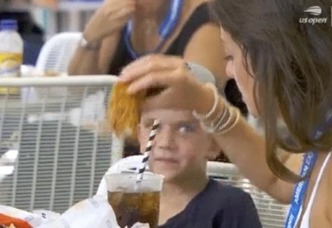 US Open fan stuns everyone with disturbing eating technique