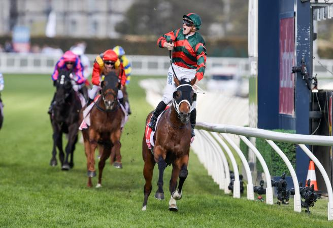 The Autumn Sun shines in Caulfield Guineas
