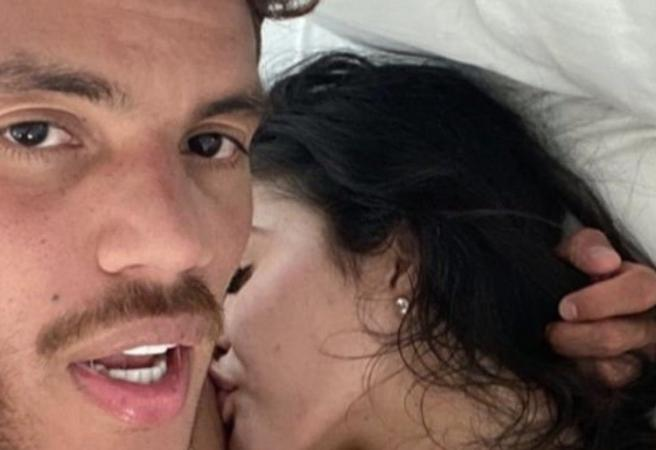 Jonathan dos Santos accidentally posts naked picture of him and model on Instagram
