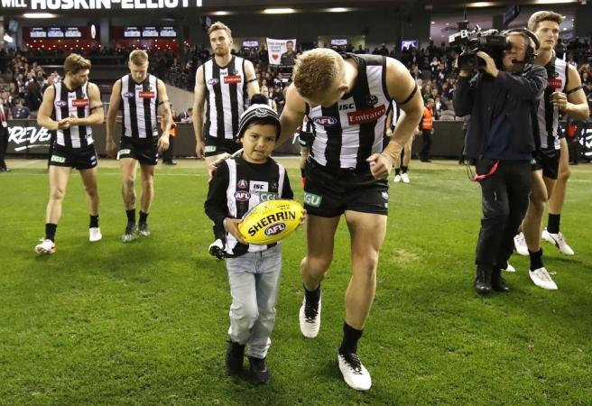 AFL world saddened by passing of famous young fan