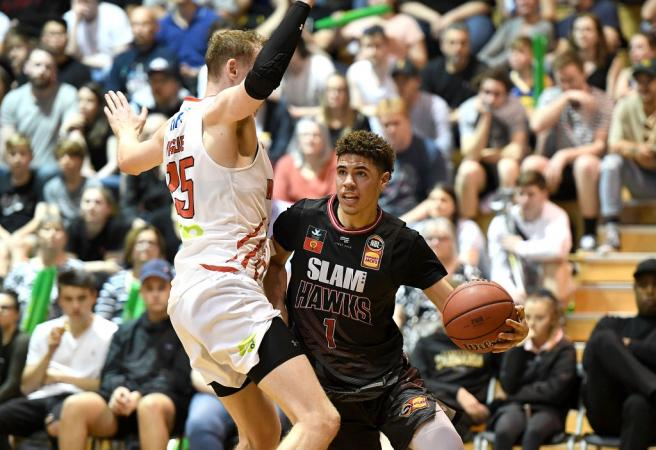 LaMelo Ball stuffs the stat sheet at NBL Blitz