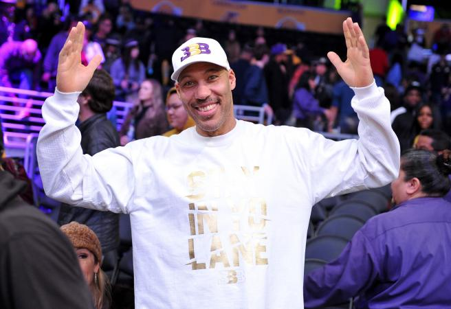 Lavar Ball announces preferred destination for Lonzo