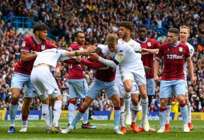 WATCH: World amazed by bizarre scenes in English Championship