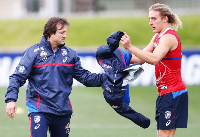 Western Bulldogs youngsters come away from car crash with minor injuries