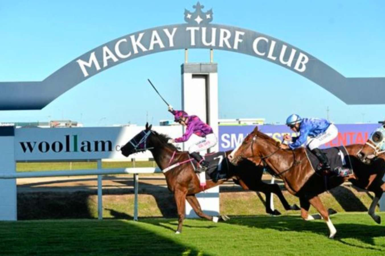Mackay hosts thoroughbred racing on Tuesday