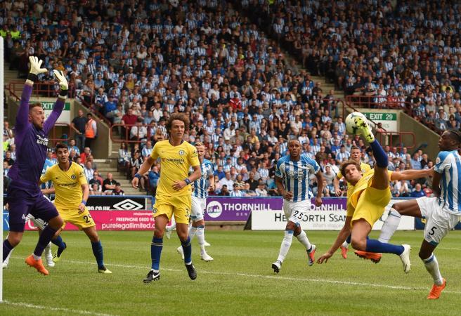Chelsea cruise as Roberto Pereyra stunners fire Watford