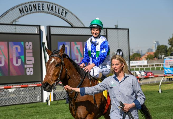 Michelle Payne trains first city winner with Sweet Rockette