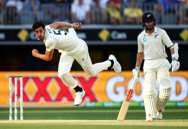 Mitchell Starc gives Aussies the upper hand