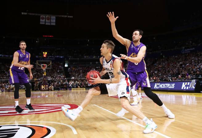 Adelaide 36ers ruin Bogut homecoming party