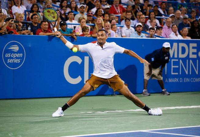Nick Kyrgios wins Washington Open with help from fan