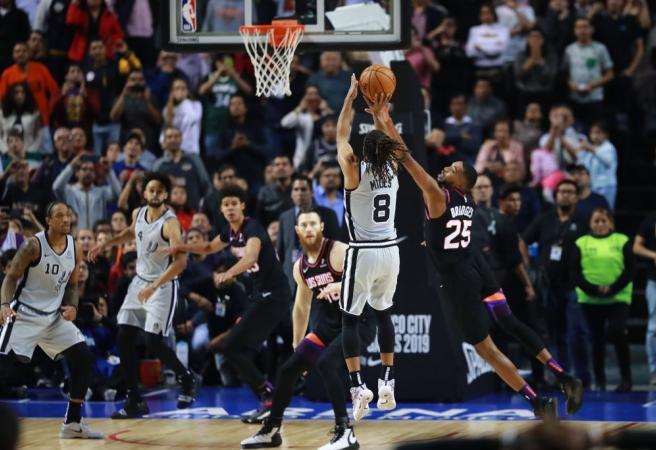 Patty Mills dominates and buries game-winner for Spurs