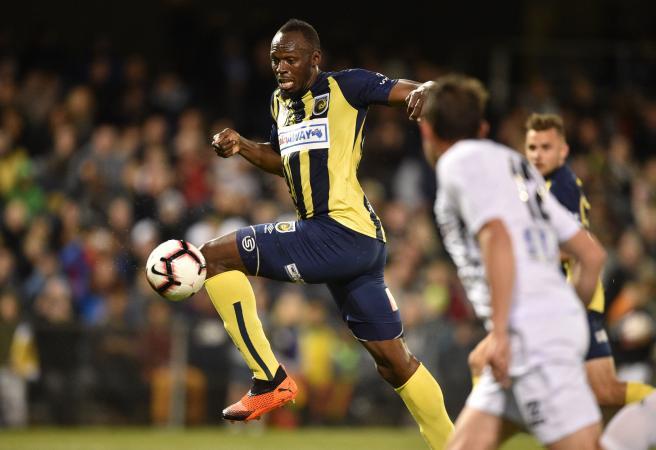 Bolt bags brace: Usain Bolt at the double