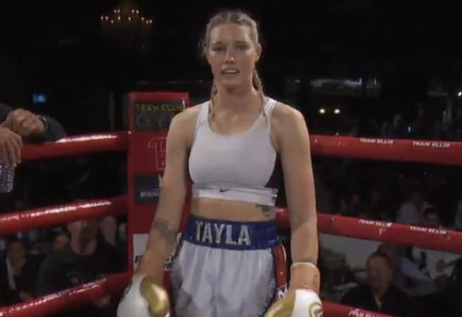 AFLW star claims Australian Middleweight boxing title
