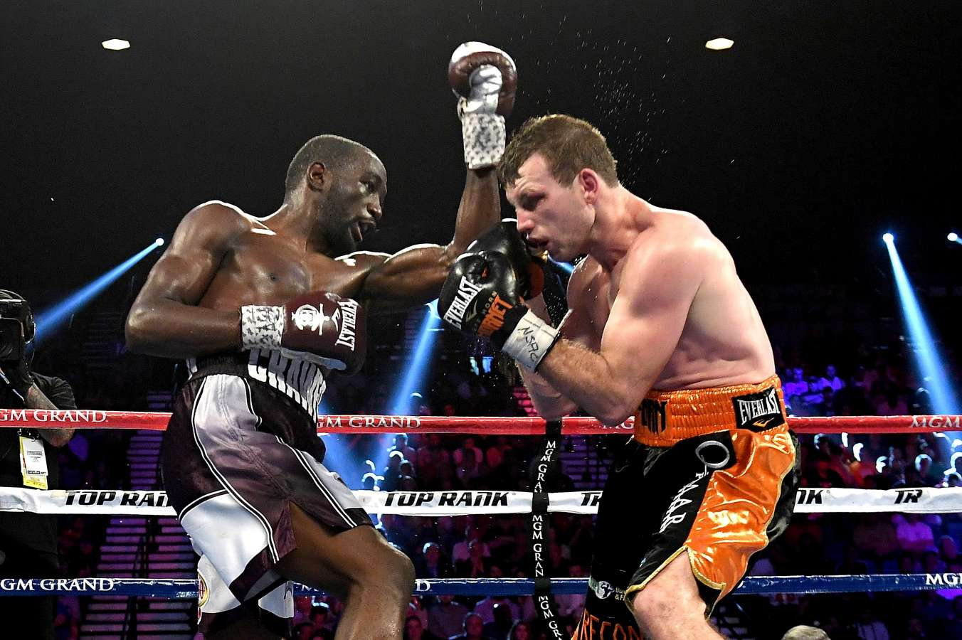 Terence Crawford too good for Jeff Horn in Vegas