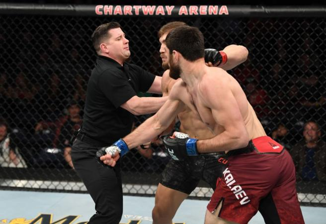 WATCH: Bizarre stoppage shocks the UFC