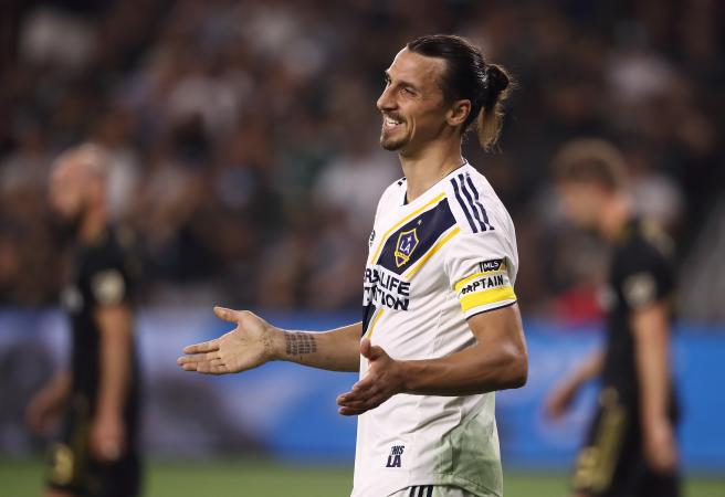 WATCH: Zlatan scores 500th career goal with absurd roundhouse kick