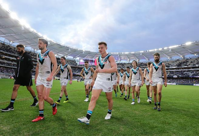 Port Adelaide star injured water skiing