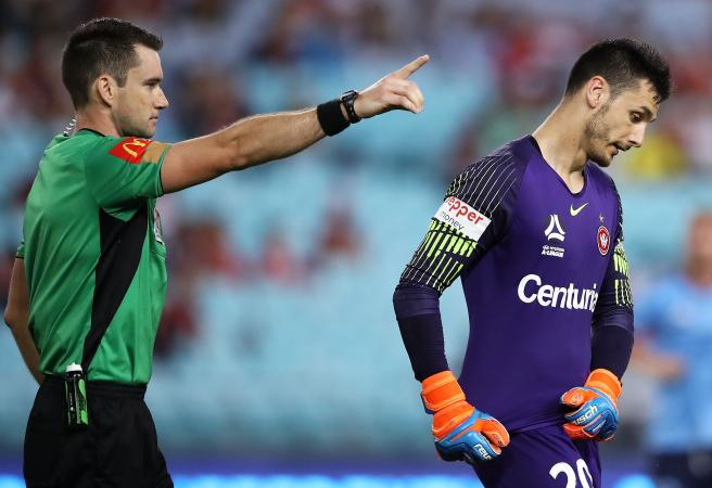 Sydney Derby Madness: Storms, brain snaps and whacky subs!