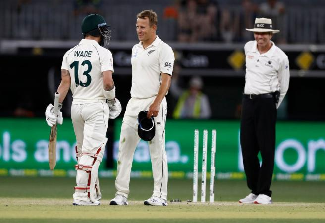 Aussies sit in box seat despite batting collapse