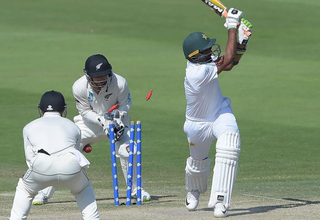 New Zealand claim narrow victory after stunning Pakistan collapse