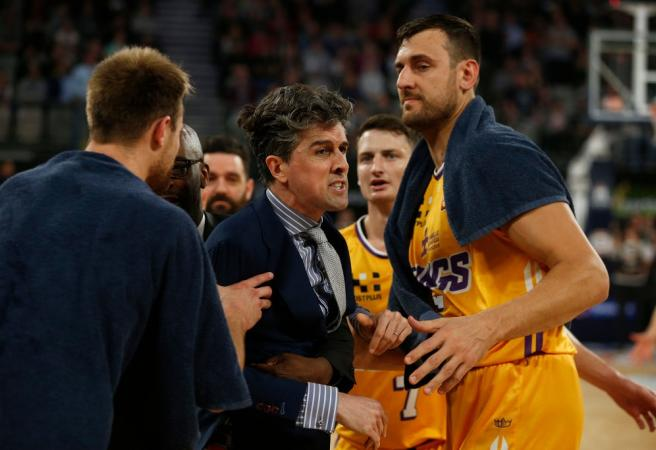 WATCH: Sydney Kings coach explodes at referees