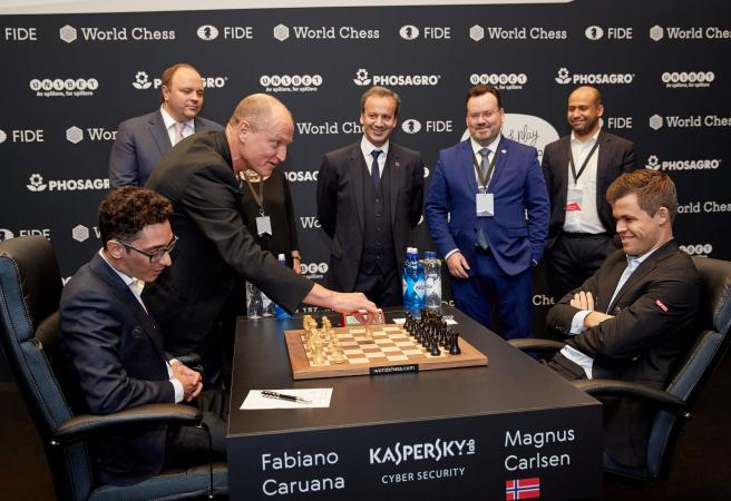 A black eye, a leaked video and Woody Harrelson: Chaos at the Chess World Championships